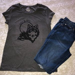 Tops - New Hand Embellished Wild and Free Wolf T-shirt